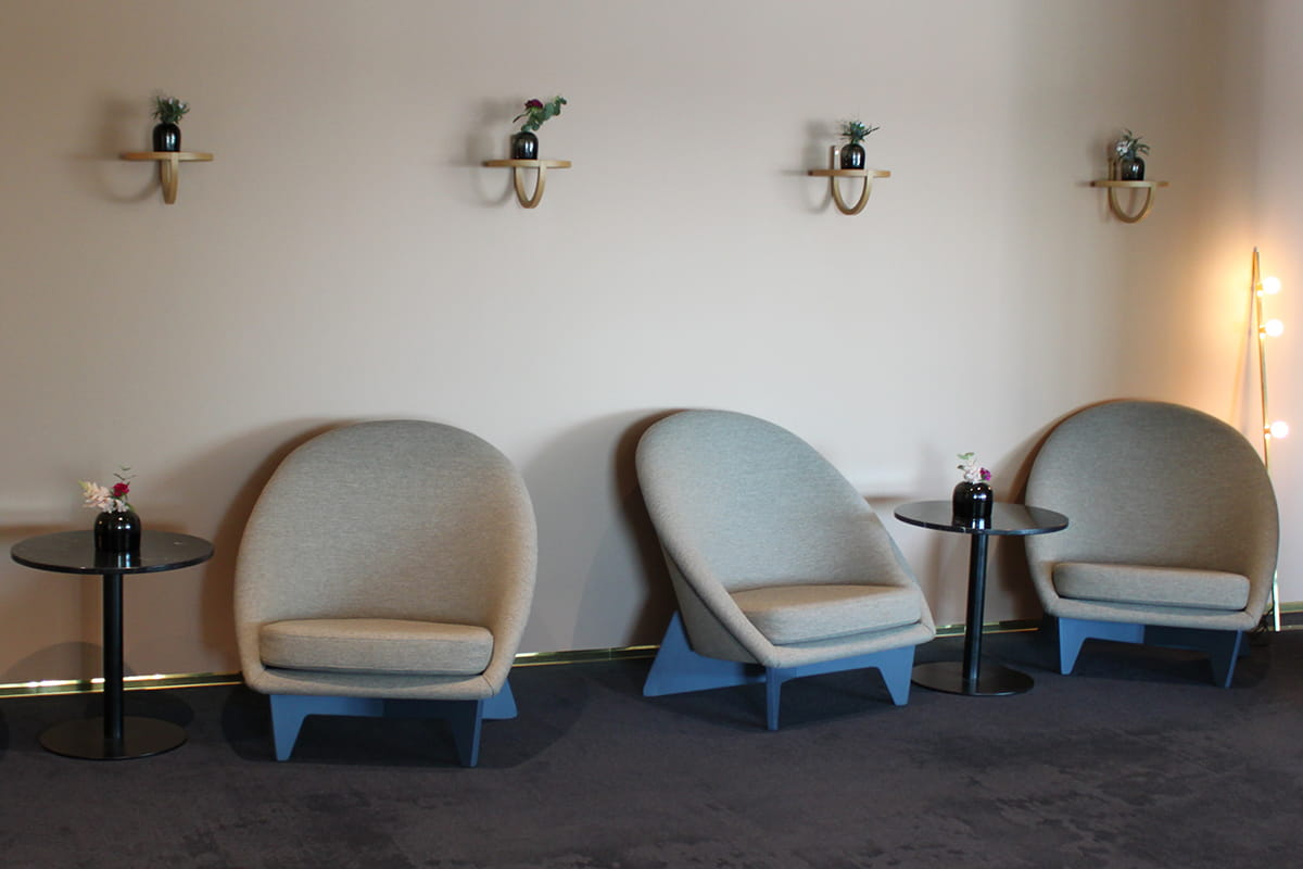 palace-antti-numesniemi-tuolit-ruutupuut